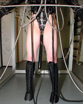 fuck-bondage-inhibitor-bar-nude-fake