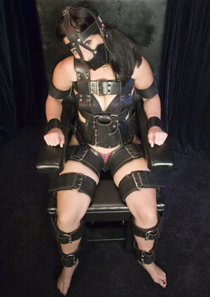 boots porno hilflos gefesselt erregt